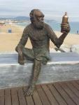 estatua_anis_del_mono_al_pont_del_petroli_de_badalona